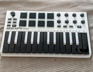 Mit unseren Tipps kannst du auch Keyboards auf Ebay Kleinanzeigen verkaufen.